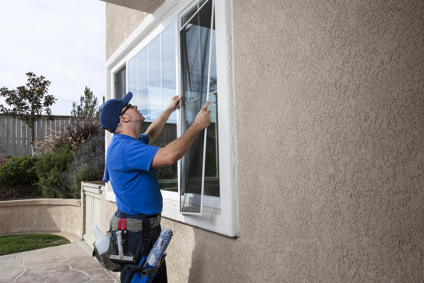 Window Screen Conditioning Solar Cleaning